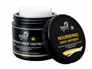 Black Horse - Mast na kopyta (Nourishing hoof ointment) 500 ml